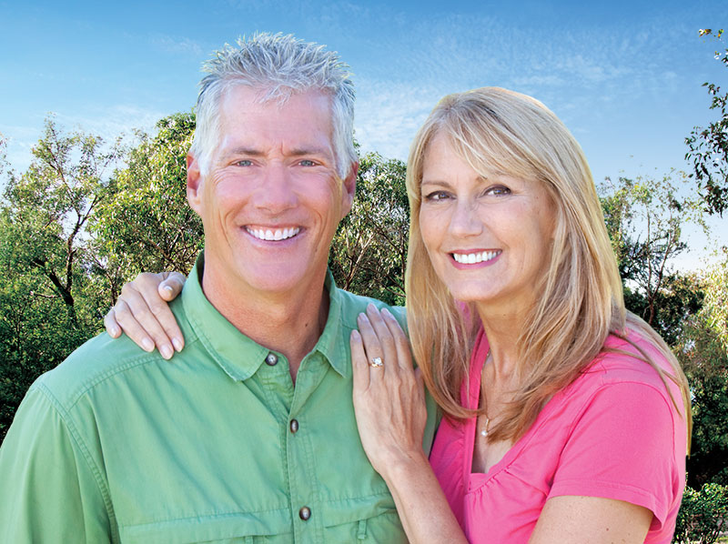 senior-coulpe-with-dental-implants
